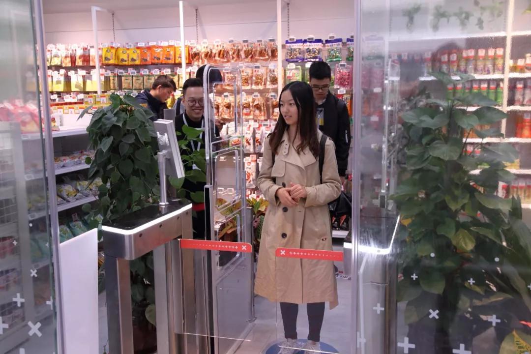 中POS:校园新零售 会是下一个风口么?